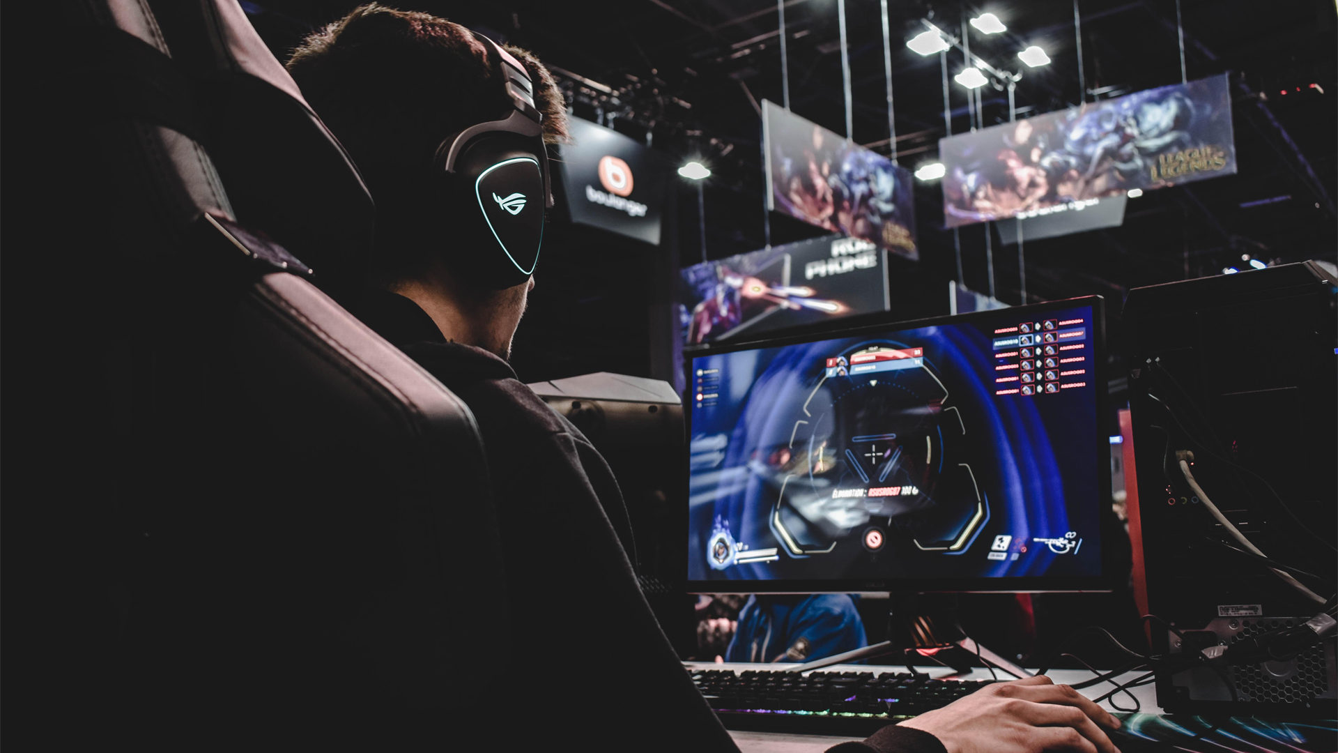 Competitive gamer at eSports tournament - How to start a gaming channel for free