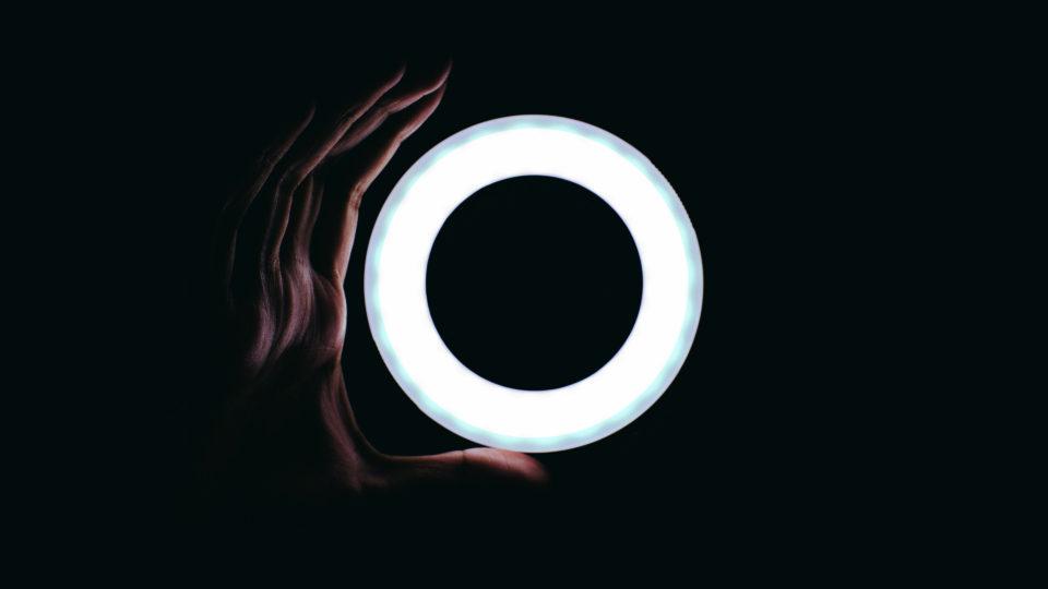 Ring light in dark room - HitFilm Pro 7 update
